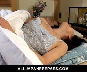 Makiko Miyashita that has her pussy fingered - 8 min