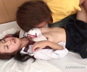 Asian horny schoolgirl gets cunt finger teased in bed - 5..