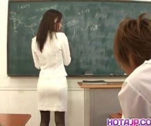 Miho Kanda busty is bonked - 10 min