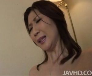 Lonely housewife Nanako Yoshioka seduces the tv repair guy..