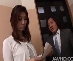 Horny businessman seduces sexy cougar Nanako Yoshioka in..