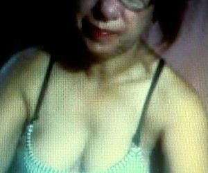 Matured pinay MILF palying on cam - 8 min