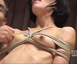 CMNF Subtitled Japanese nose BDSM with Elise Graves - 5 min