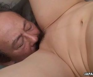 Filthy cheating wife getting her pussy eaten by the dude -..