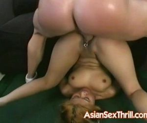 Asian wide to take a big cock anally - 5 min