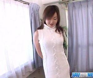 Pretty Japanese milf finger fucking - 23 min