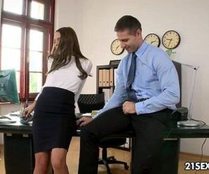 Office Hours with Dominica FoxHD