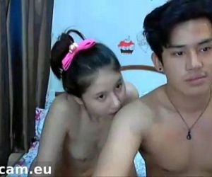 Asian couple fucking and sucking - teenxcam.eu - 6 min