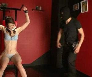 A cat burgler uses Maki Hojo as his slave for the day - 5..