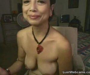 Asian granny masturbates on webcam - 20 min
