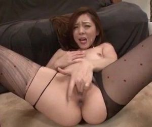 Maki Mizusawa loves having jizz on her lips - 12 min