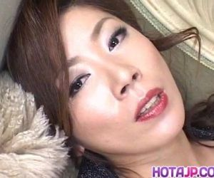 Japanese AV Model has vibrator on clitoris - 9 min