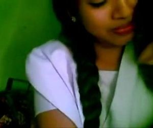 Www.indiangirls.tk INDIAN GIRLFRIEND AMATEUR KISSING MMS..